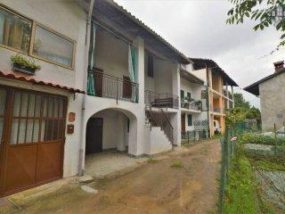 Foto 1 di Casa indipendente Località Benasso 104, frazione Preparetto, Castellamonte