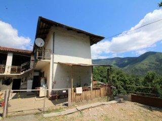Foto 1 di Casa indipendente via sis 89, Val Della Torre