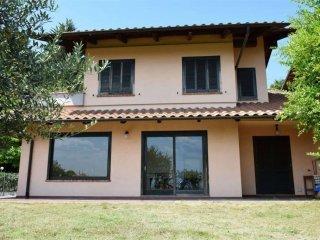 Foto 1 di Villa strada Della Marca, Castagneto Po
