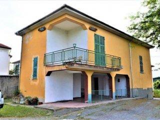 Foto 1 di Villa Località Villa, Piana Crixia