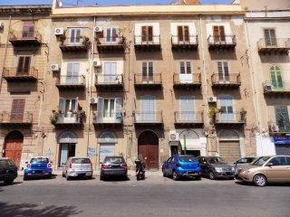 Foto 1 di Quadrilocale corso Alberto Amedeo 180, Palermo (zona Galilei - Palagonia - Giotto)