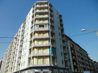 Foto 1 di Trilocale corso Cosenza 22, Torino (zona Santa Rita)