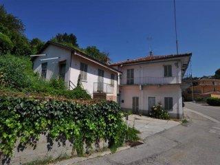 Foto 1 di Casa indipendente via Giuseppe Garibaldi 32, Monforte D'alba