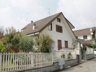 Foto 1 di Villa via FUHRMANN, 102/5, Luserna San Giovanni