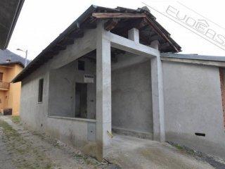 Foto 1 di Casa indipendente Borgata Enfous, Pomaretto