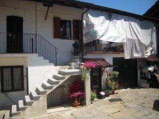 Foto 1 di Casa indipendente Via Roma, 7, Gambasca