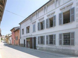 Foto 1 di Villa via Scanagatti, 45, Valfenera