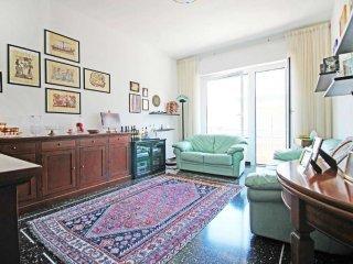 Foto 1 di Trilocale via AMARENA, Genova (zona San Fruttuoso)