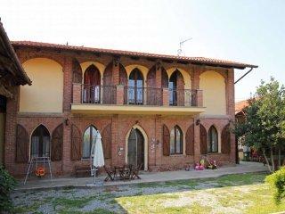 Foto 1 di Casa Colonica via casale mariette, Saluggia