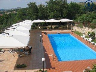 Foto 1 di Villa Limatola