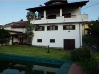 Foto 1 di Villa Frazione Rivalta, La Morra