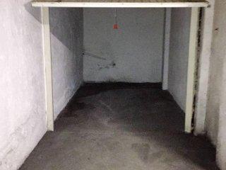 Foto 1 di Box / Garage Corso Battaglione 11100 Aosta, Aosta