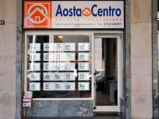 Foto 1 di Box / Garage Via Monte Emilius 11100 Aosta, Aosta