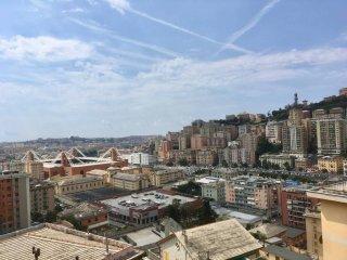 Foto 1 di Trilocale via Monte Rosa, Genova (zona Marassi-Staglieno)
