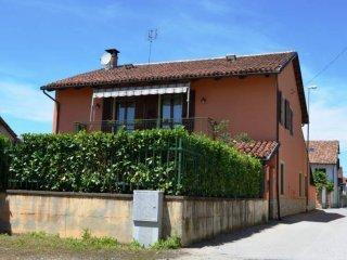Foto 1 di Villa via Sant'Anna 16, Carmagnola