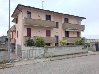 Foto 1 di Trilocale via Giulio Pastore 35, Virgilio