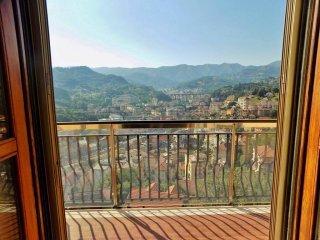 Foto 1 di Trilocale via Domenico Carli, frazione San Cipriano, Serra Riccò