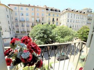 Foto 1 di Quadrilocale piazza Emanuele Filiberto, Torino (zona Centro)
