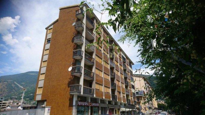 Foto 2 di Quadrilocale via Lys 38, Aosta