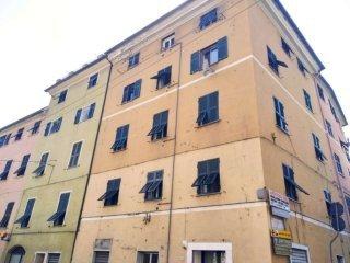 Foto 1 di Trilocale via teglia, Genova (zona Teglia)