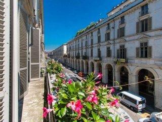 Foto 1 di Appartamento via PO, Torino (zona Centro)