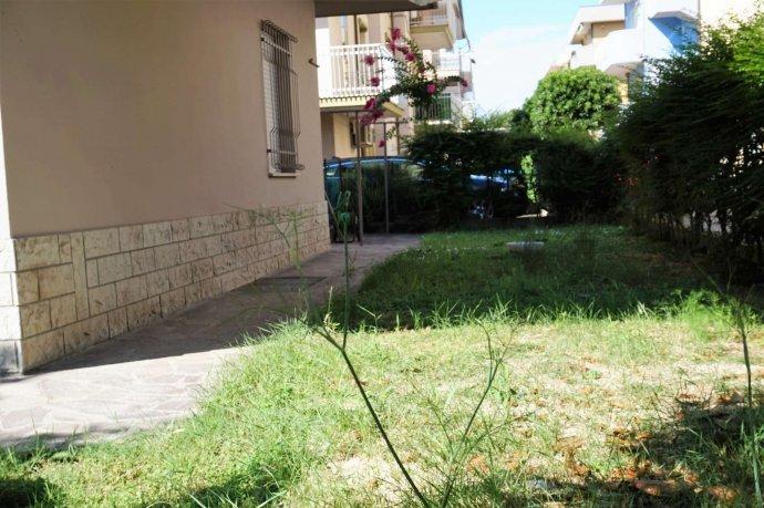 Foto 36 di Bilocale via Pederobba, frazione Rivabella, Rimini