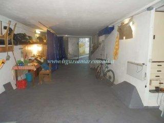 Foto 1 di Box / Garage Zona Fornaci, Savona