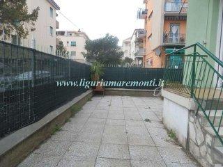 Foto 1 di Trilocale Via Turati, Savona