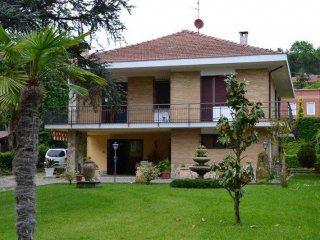 Foto 1 di Villa Castelnuovo Belbo