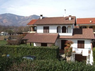 Foto 1 di Villa via Gerbidi, Fiano