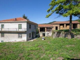 Foto 1 di Rustico / Casale Pezzolo Valle Uzzone
