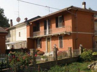 Foto 1 di Appartamento Giusvalla