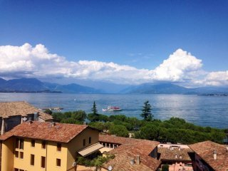 Foto 1 di Attico / Mansarda viale Tommaso dal Molin, Desenzano Del Garda