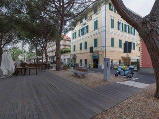 Foto 1 di Appartamento via Indipendenza, Ceriale