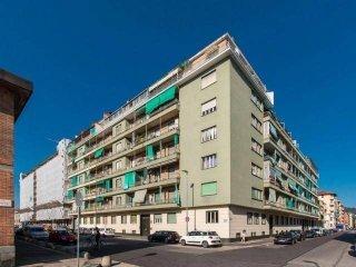 Foto 1 di Bilocale via trofarello, Torino (zona Mirafiori)