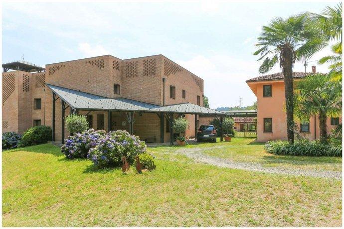 Foto 1 di Villa via Costagrande  180/a, Pinerolo