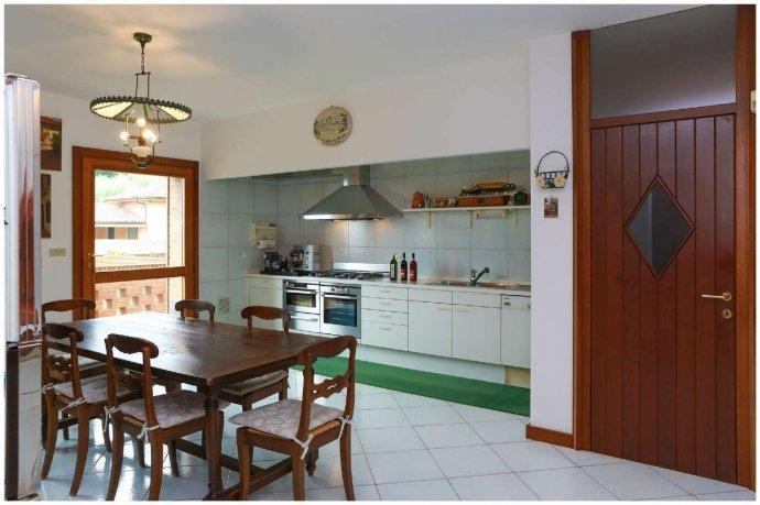 Foto 13 di Villa via Costagrande  180/a, Pinerolo