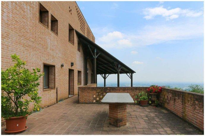 Foto 23 di Villa via Costagrande  180/a, Pinerolo