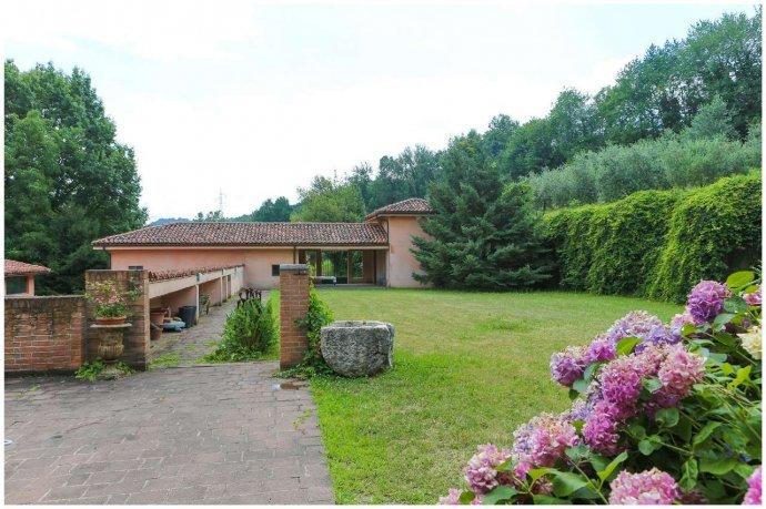 Foto 24 di Villa via Costagrande  180/a, Pinerolo