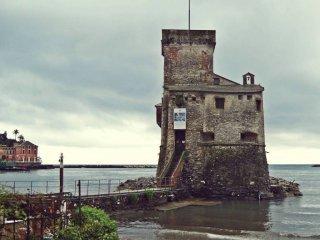 Foto 1 di Quadrilocale via castruccio, 38, Rapallo