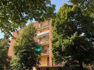 Foto 1 di Appartamento via Adelaide Borghi Mamo, Bologna
