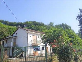 Foto 1 di Casa indipendente Castelnuovo Calcea