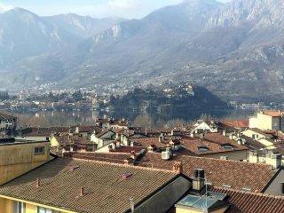 Foto 1 di Trilocale via Camillo Benso Conte Di Cavour, Lecco