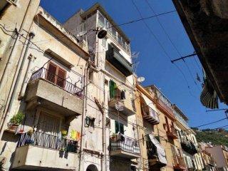 Foto 1 di Bilocale via Umberto I°, Monreale