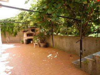Foto 1 di Bilocale via Pinasco, frazione Torrazza, Sant'olcese