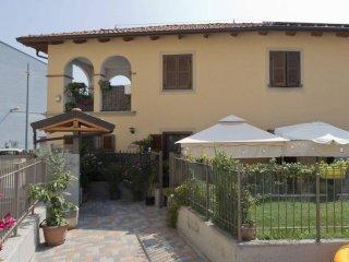 Foto 1 di Villa a Schiera strada Comunale di Mirafiori 14, Torino (zona Mirafiori)