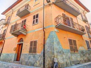 Foto 1 di Palazzo / Stabile via Piave 9, Bussoleno