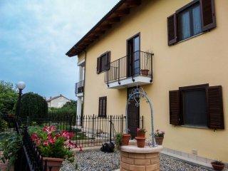 Foto 1 di Trilocale strada Carignano 50, La Loggia