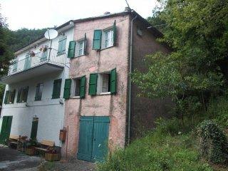 Foto 1 di Casa indipendente Località Semovigo, Mezzanego