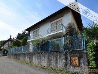 Foto 1 di Villa via Papa Giovanni XXIII 2, Bricherasio